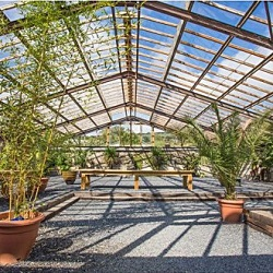 The Glass House is a versatile covered space for 180, great for corprate events.