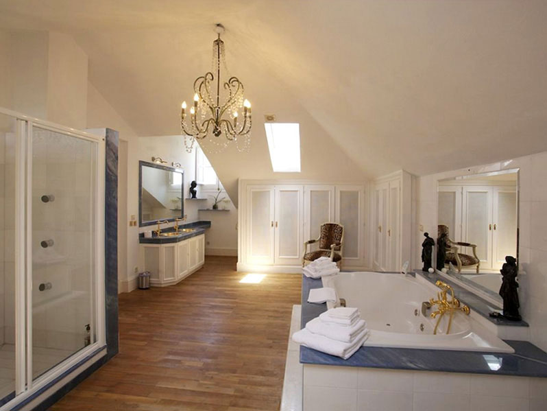 One of the eight bedrooms at Marbella Villa