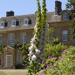 Somerset Manor is a stylish big house to rent through The Big House Company