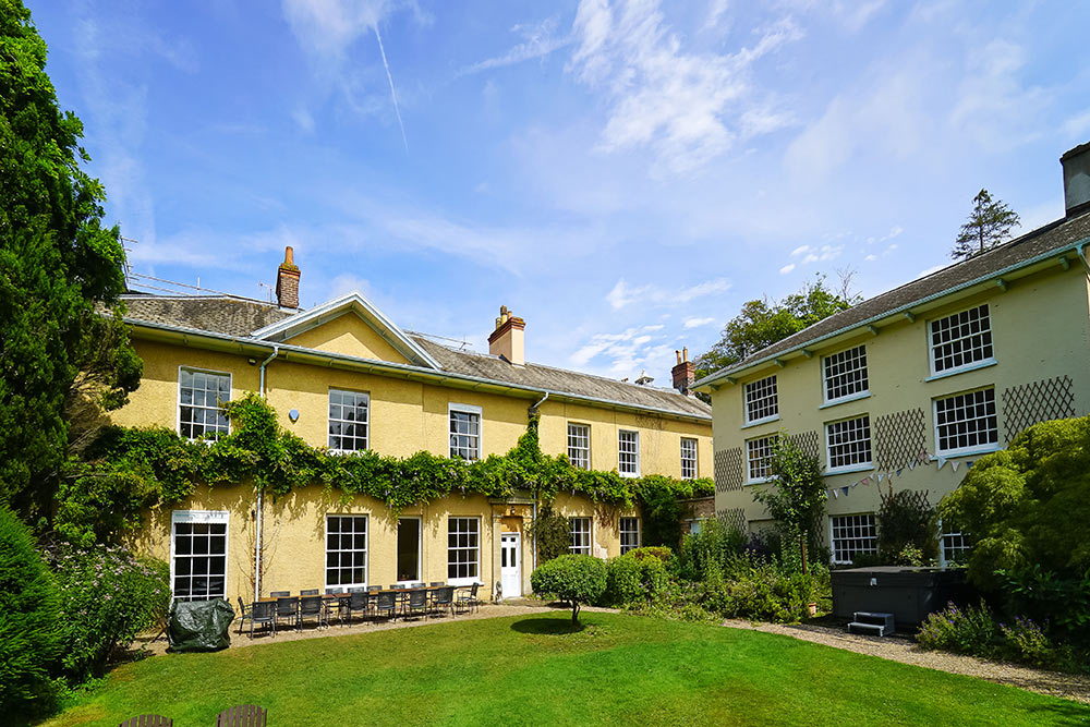 Tone Dale House is a big house to rent for up to 31 guests in Somerset.