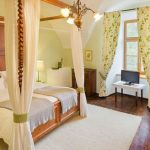 Pretty 4 poster bedrooms at the Austrian Castle