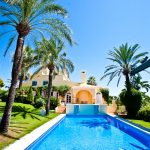 The pool is great for large groups of family and friends to enjoy in Marbella
