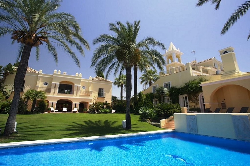 Marbella Villa is a luxurious holiday villa with a large outdoor pool for hire through the Big House Company