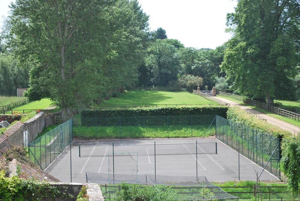 sm-tennis-court