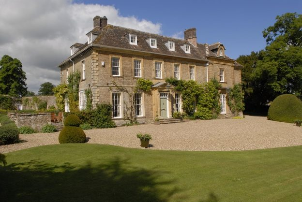 Frontage of Somerset Manor and its sweeping driveway, a former rectory now part of The Big House Company