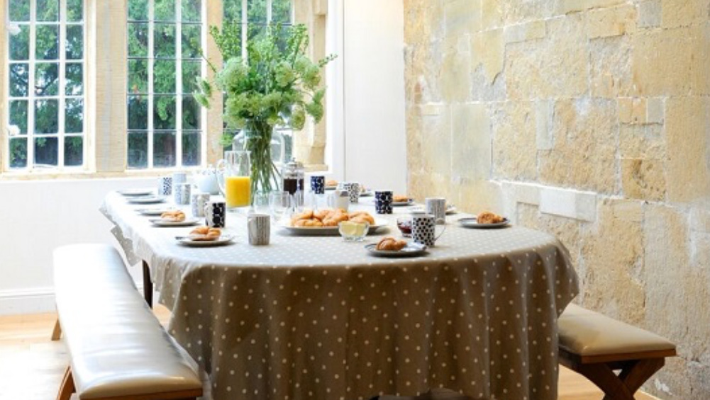 The breakfast area at Somerset Manor