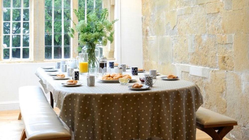 The breakfast area at Somerset Manor is a wonderful space for your morning croissant.