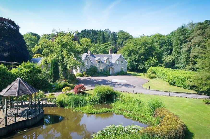 Widcombe Grange is a large party house to rent with extensive gardens and 2 lakes, available through The Big House Company