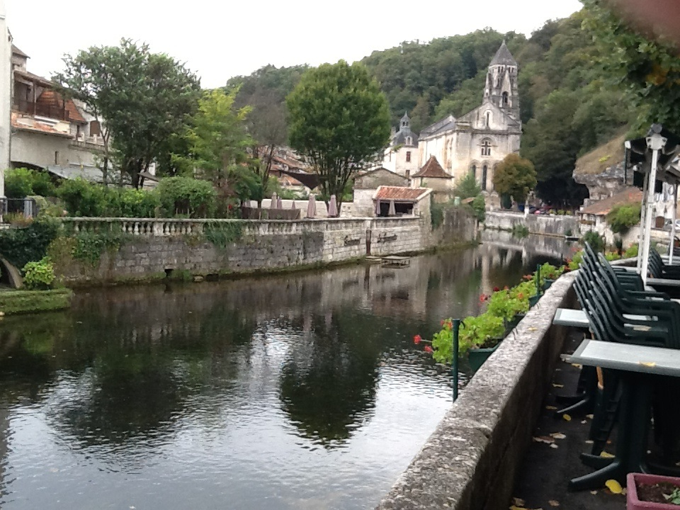 The Dordogne river the the historic towns are great day trips during a family holiday.