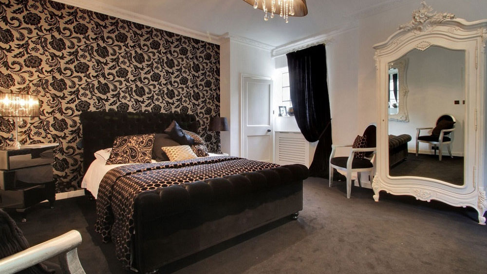 Sussex Manor has 8 luxurious bedrooms, which are a mixture of twin and large double.