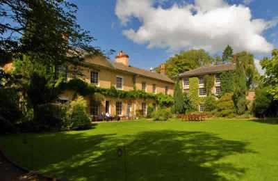 Tone Dale House is one of the wedding venues in Somerset available through The Big House Company