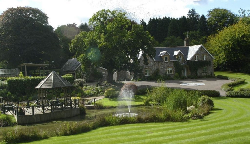 Widcombe Grange is a wedding venue in Somerset for marquee weddings for up to 150 guests.