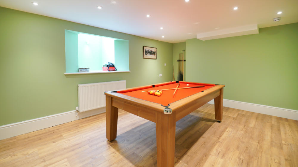 There is plenty of entertainment for a group of friends to enjoy including a pool table, table tennis & indoor pool