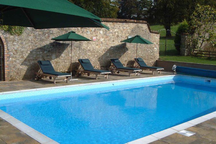 Widcombe-Grange-pool-750-450